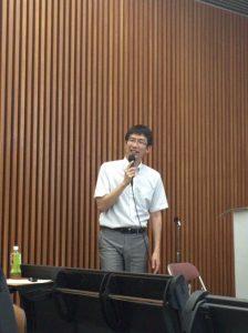 講演中の吉本先生