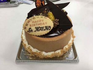 前野先生のお祝いケーキ